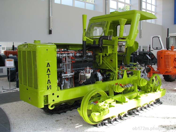 Трактор Алтаец